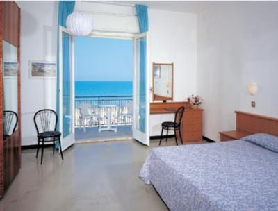 Annunci Cogefim hotel in vendita a Senigallia