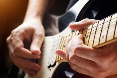 Annunci Cogefim brevetto chitarra automatica vendita