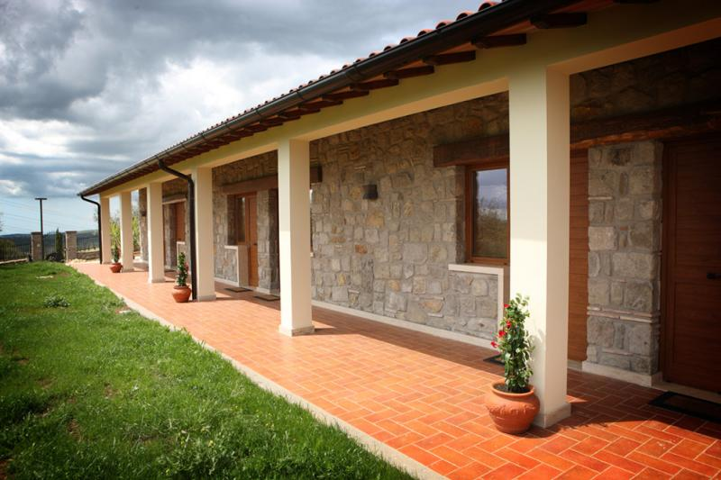 Annunci Cogefim agriturismo con immobile in vendita a Viterbo